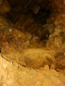 天然砥石坑
