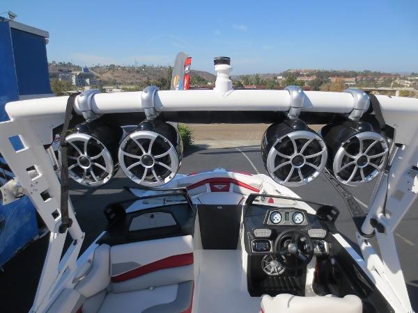 新艇!!消費税込の特別価格!!2017年モデル AXIS A22 専用トレーラー付!!_画像3