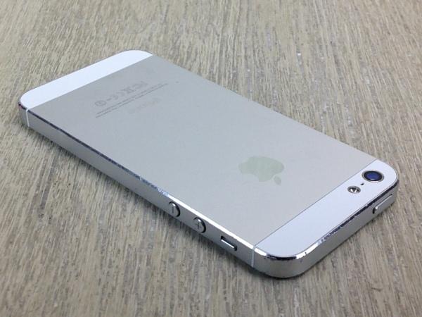SoftBank iPhone5[32GB] ホワイト&シルバー【安心保証】_画像3