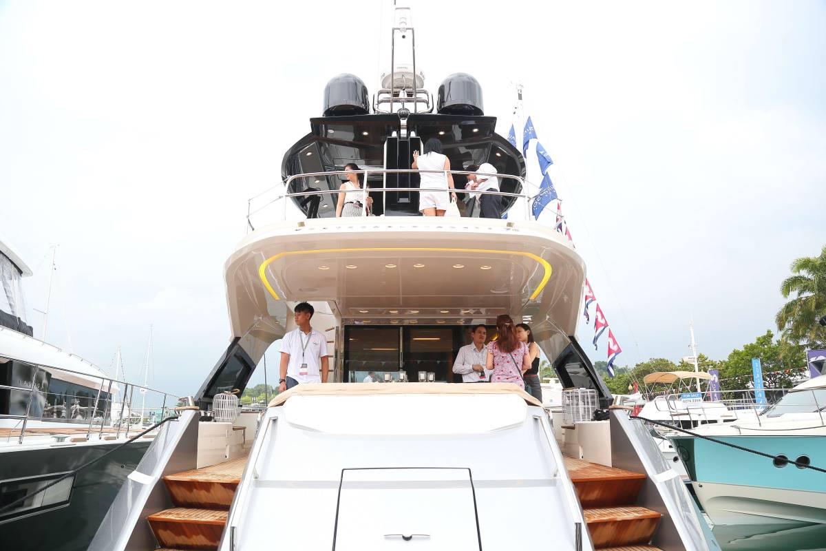 速報!!2015年モデル Monte Carlo Yacht70 ワンオーナー極上艇!!_画像5
